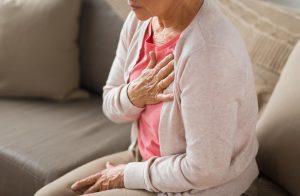 درد قفسه سینه با بروز مشکلات قلبی