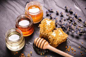 عسل برای درمان آبله مرغان