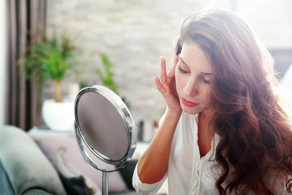 فواید روغن کرچک برای پوست و مو