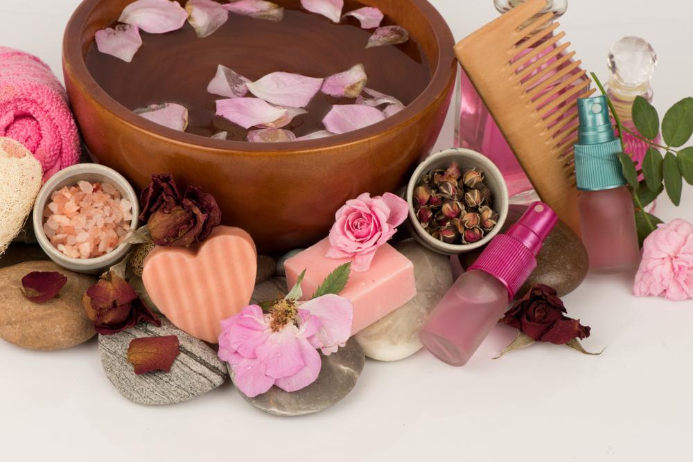 محصولات آرایشی با گل محمدی