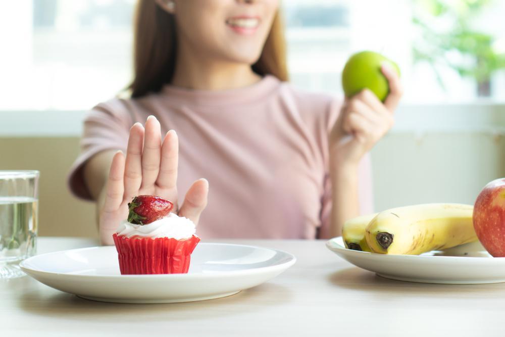 سالاد و میوه تغذیه سالم