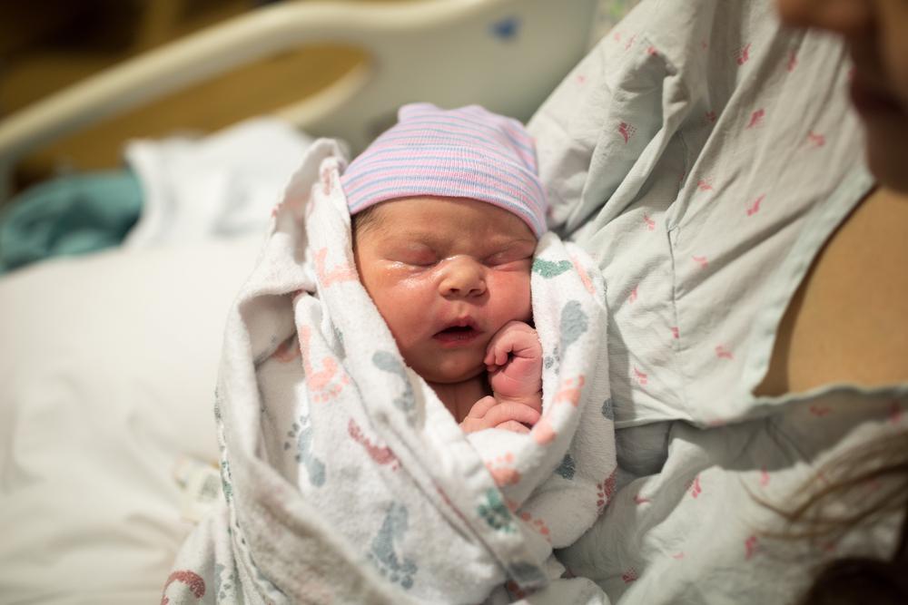 متولد شدن نوزاد با زایمان طبیعی