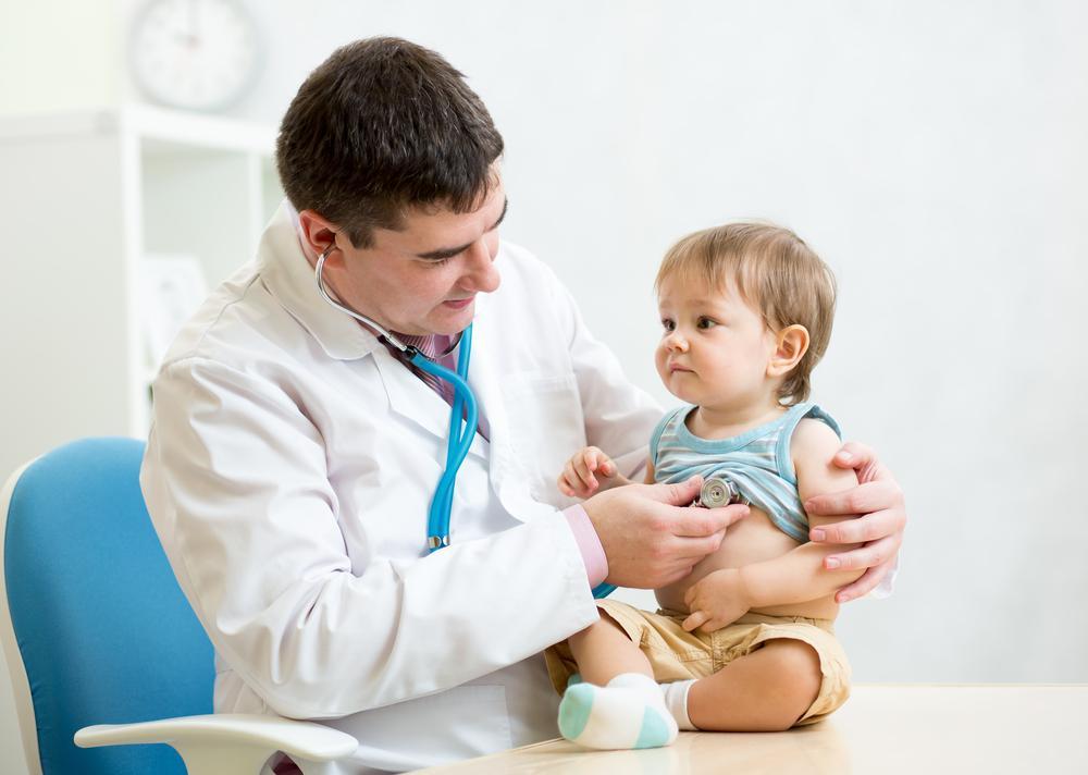 مراجعه به پزشک با سرماخوردگی نوزاد