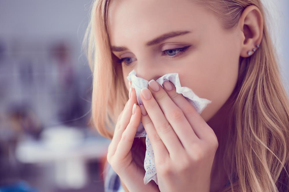 درمان آبریزش بینی در خانه