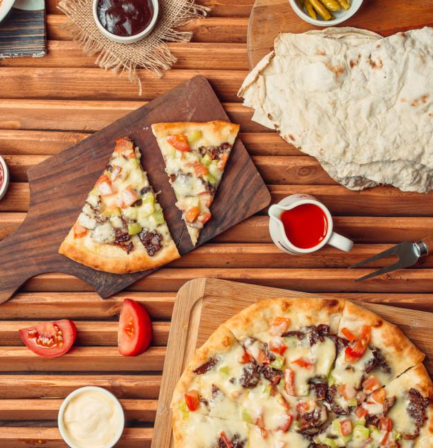 پیتزا مخلوط خانگی