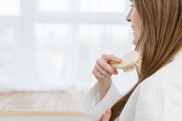 مراقبت با شانه کردن مو