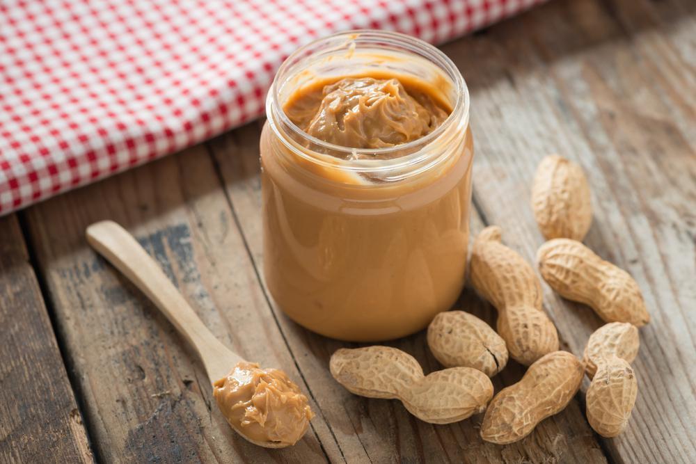 مضرات مصرف بادام زمینی در بارداری