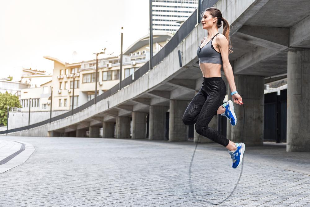 طناب زدن برای درمان سلولیت