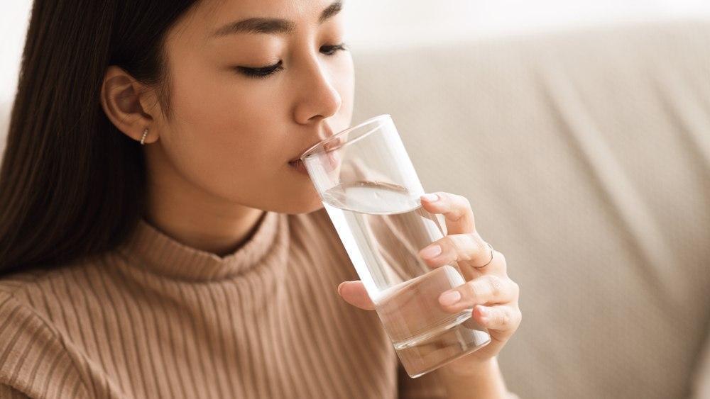 عرق کاسنی برای درمان یبوست
