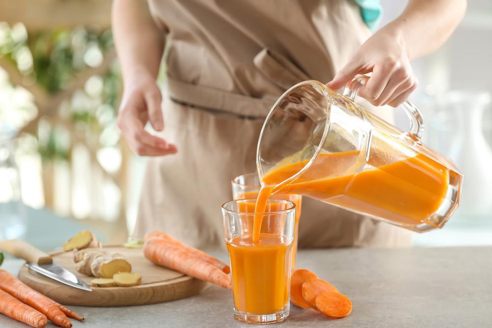 آشنایی با خواص آب هویج