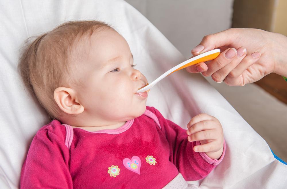 غذای نوزاد شش ماهه