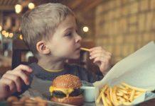 راه حل برای کنترل پرخوری کودکان