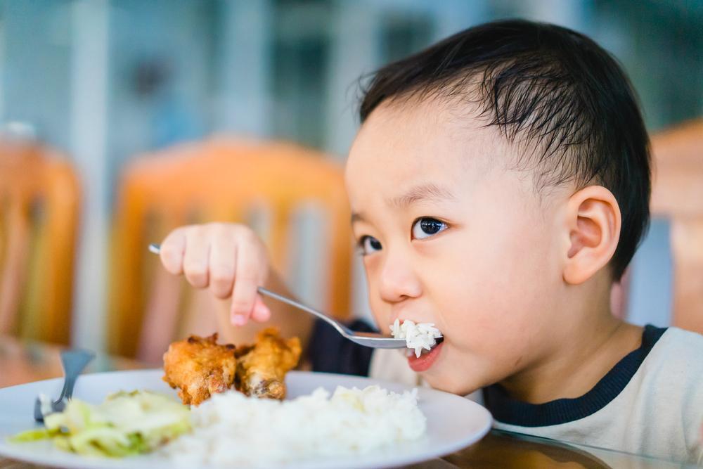 علت پرخوری در کودکان چیست؟