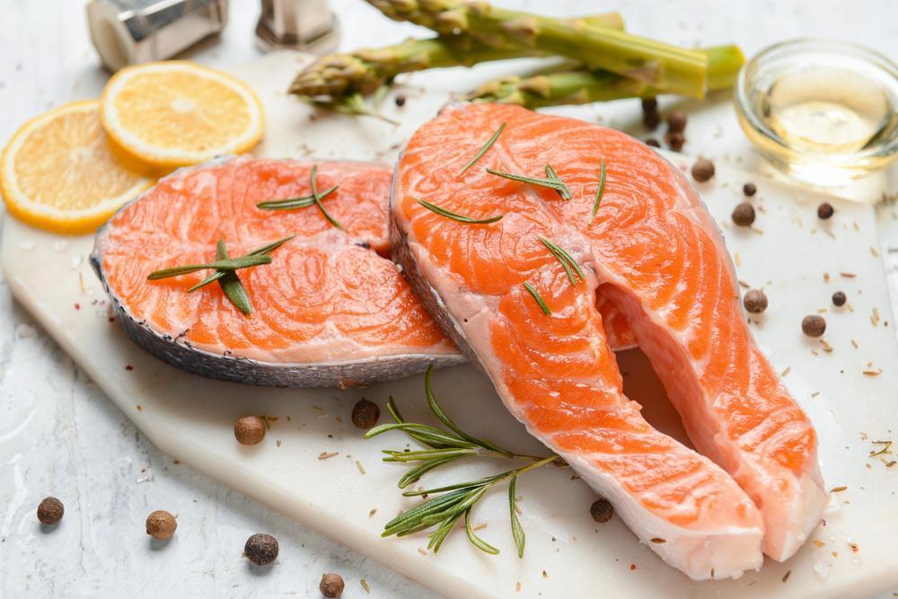 نقش ماهی سالبمون در تغذیه در دوران پریود