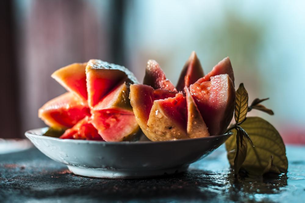 خواص میوه گواوا و 5 فایده آن برای سلامت