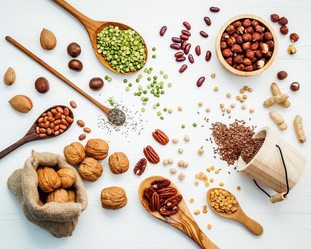 دانه و آجیل سرشار از ویتامین E