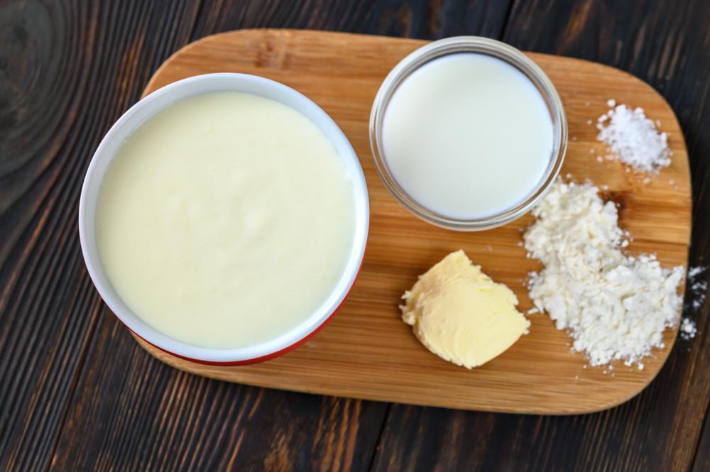 طرز تهیه سس پنیری بشامل
