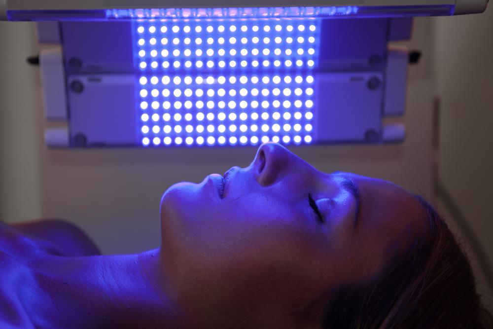در چه شرایطی از نوردرمانی استفاده می شود