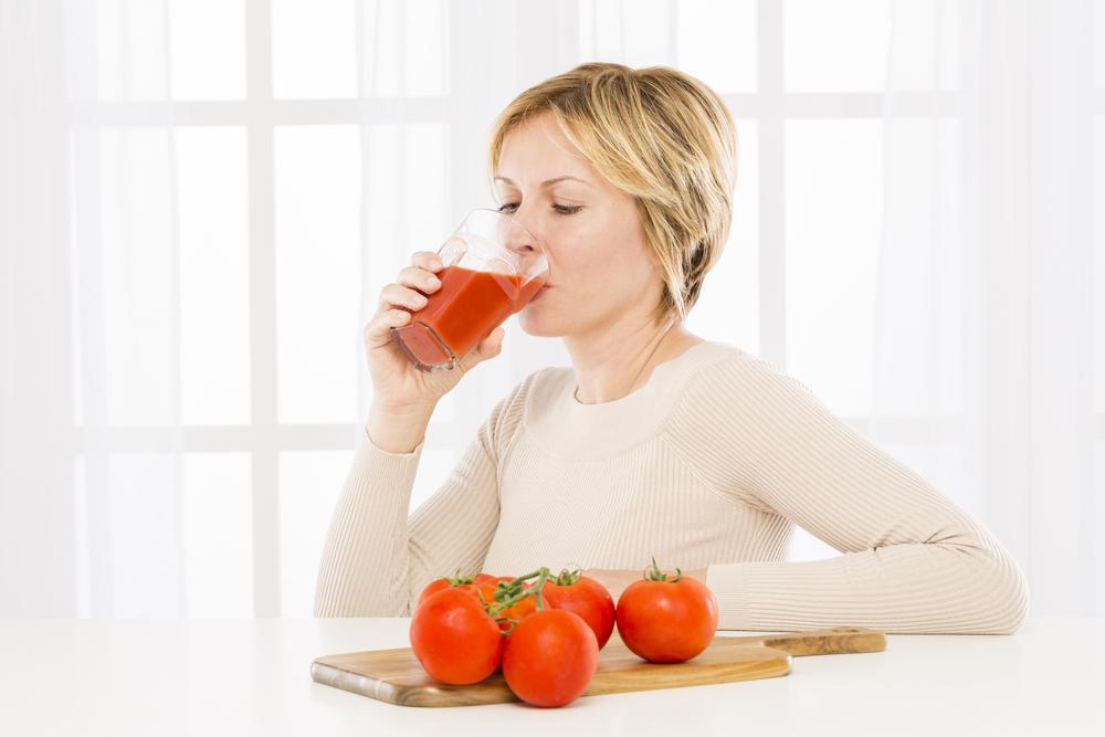 آشنایی با خواص آب گوجه فرنگی