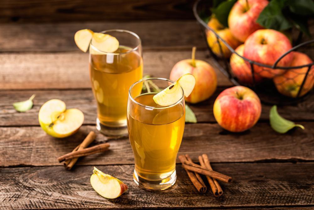 طرز تهیه کمپوت سیب با دارچین