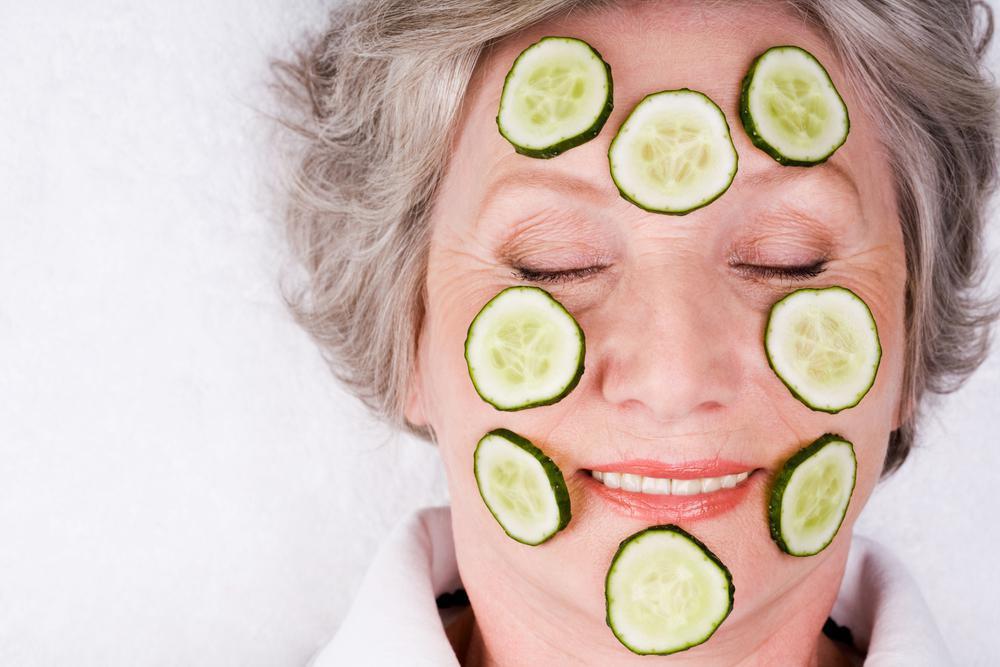 ماسک خیار برای سفت کردن و جوانسازی پوست