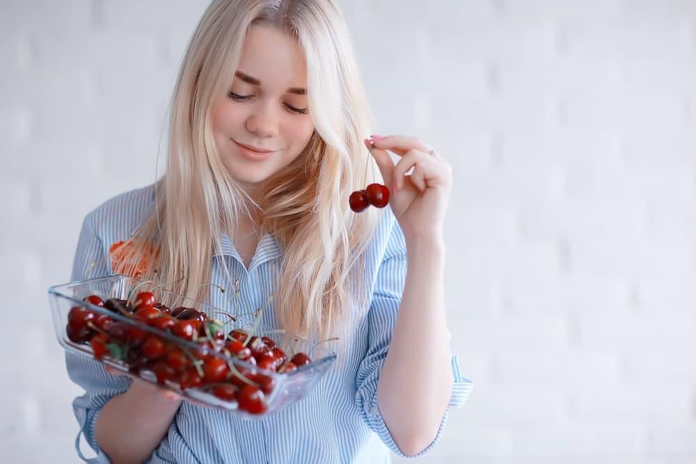 خواص گیلاس برای کاهش کلسترون خون