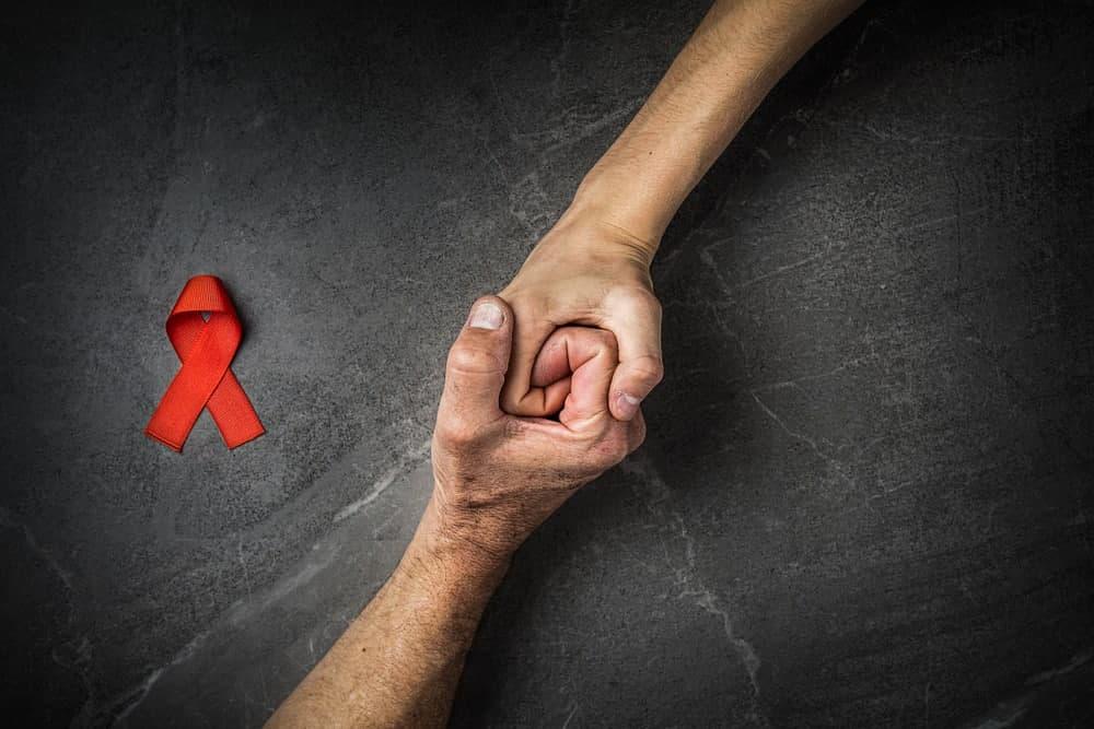 تفاوت بین ایدز و اچ آی وی چیست