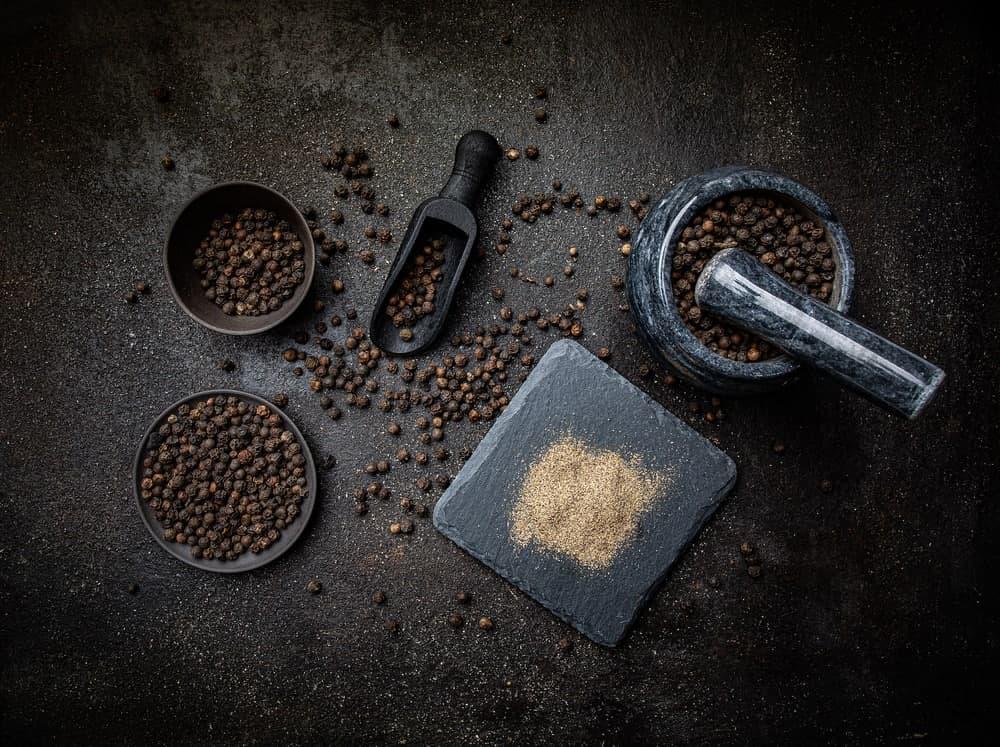 ارزش غذایی و کالری فلفل سیاه